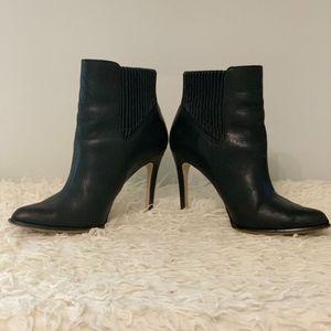 LIKE NEW* Black BCBG Vencia Booties Size 8M